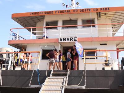 FOTO ABARÉ - Legenda da foto: Revitalizada, a embarcação seguiu viagem em 16 de março para comunidades do Tapajós.