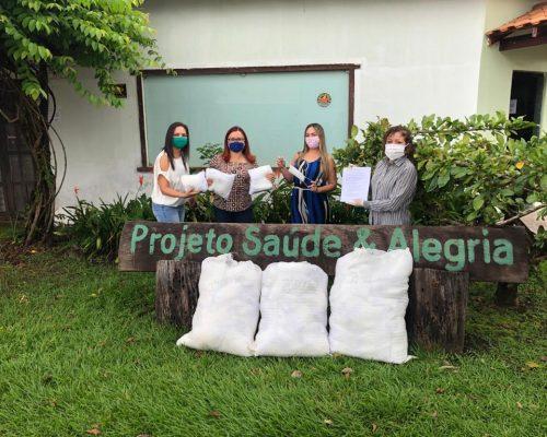 Recebimento da primeira remessa de máscaras para distribuição à profissionais de saúde (30/04)