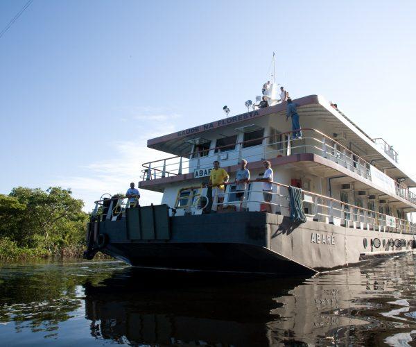 AbarŽ, no Rio Alto Arapiuns - expedi‹o realizadas entre Saœde e Alegria e Expedicion‡rios da Saœde. chegando a Cachoeira do Aru‹